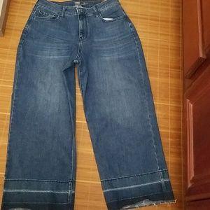 Trendy wide legged jeans